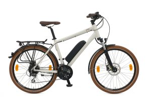 BATRIBIKE ALPHA | Shimano hydraulic disc brakes | 24 gears and suspension forks | Mudguards and lights included